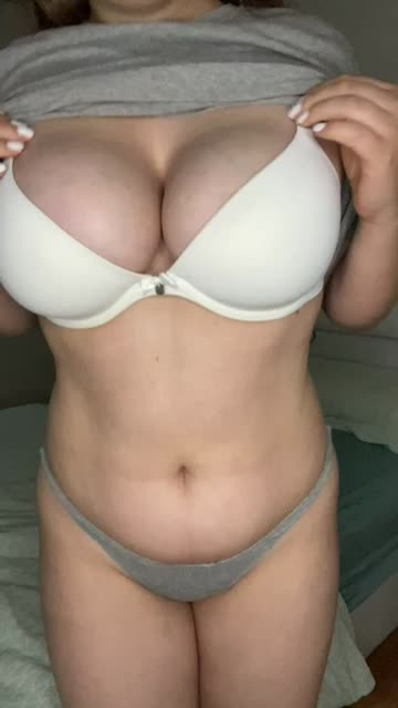thick big tits boobs