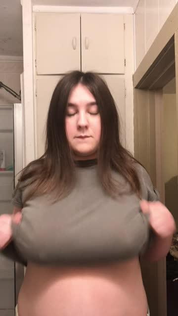bouncing tits big tits titty drop nsfw video