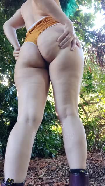 public flashing naked nsfw video
