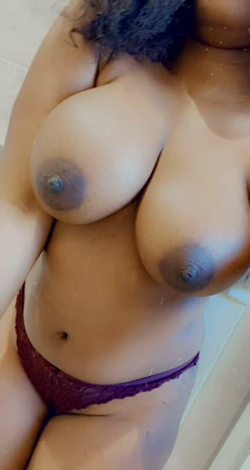 boobs ebony huge tits natural jiggling natural tits xxx video