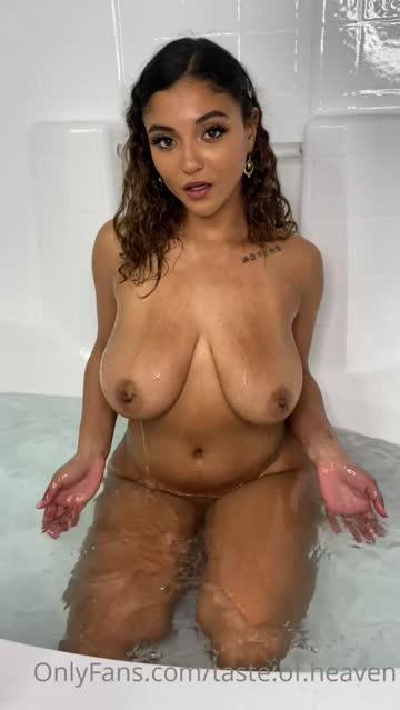 bathtub brown eyes ebony free porn video