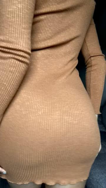 dress booty ass titty drop close up