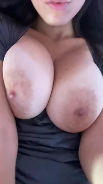 huge tits big tits natural tits big nipples hot video