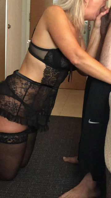 hotwife blowjob cuckold hotel